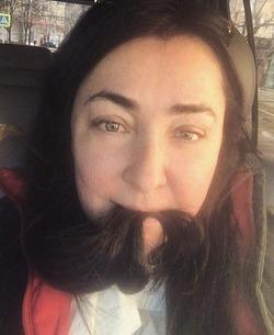 Лолита Милявская опубликовала селфи без макияжа