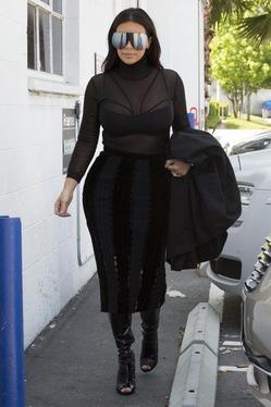 Ким Кардашян продолжает худеть, потея