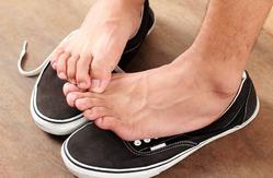 Неприятный «подарок» – грибок стоп и ногтей