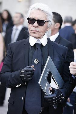 Карл Лагерфельд заявил, что его вынесут из Chanel ногами вперед