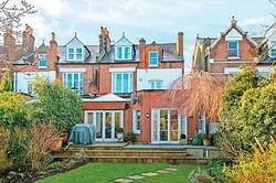 Юлия Высоцкая и Андрей Кончаловский продают дом в Лондоне