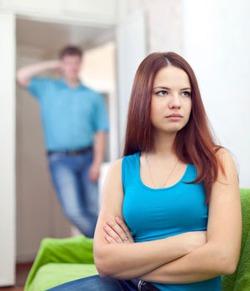 Жена работает, а муж нет...