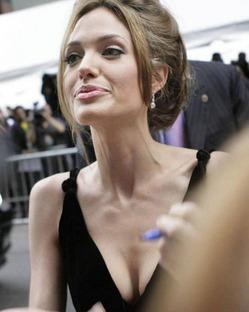Джоли снова пугает поклонников своим весом
