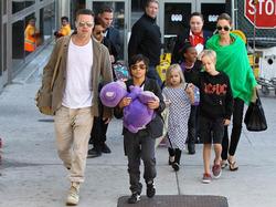 Брэд Питт обвинил Джоли в том, что она травмирует психику детей