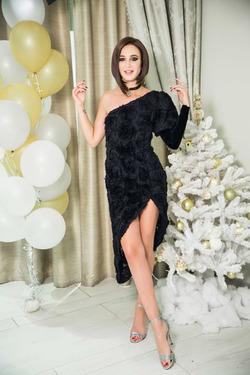 Ольга Бузова показала новогодний наряд
