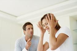 Что делать жене, когда муж гундит и винит ее в своих бедах?
