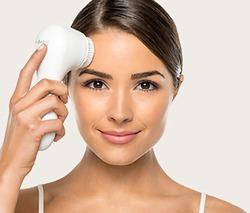Чистая кожа: Зачем нужна щетка для лица?
