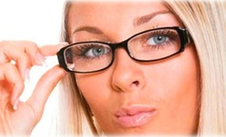 Девушка в очках - влияют ли очки на сексуальность?