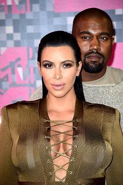 Ким Кардашян встала на защиту мужа скандалиста