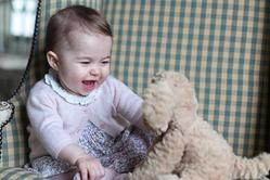 Принцесса Шарлотта обошла маму и бабушку в топе самых значимых людей