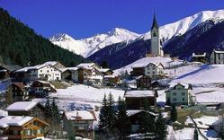 Швейцария собралась платить жителям по 2250 евро ежемесячно