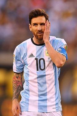 Лучшего футболиста мира осудили за неуплату налогов