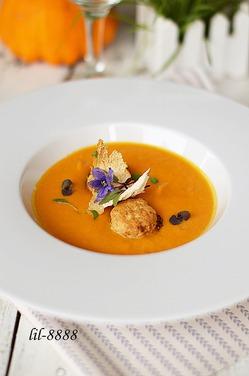 Тыквенный крем-суп с рыбными шариками