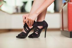 Летняя обувь черного цвета. Элегантность forever