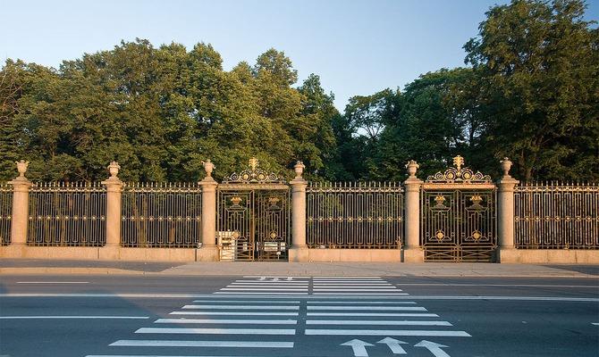 Санкт-Петербург. Летний сад: прекрасный парк в центре города