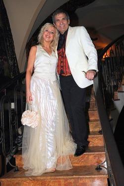 29-летняя жена родила сына 68-летнему Бари Алибасову