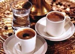 Я научилась так пить кофе после 17 мгновений весны)