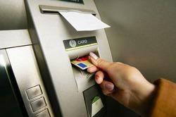 Почему Сбербанк заблокировал тысячи карт