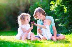 Деньги не имеют отношения к счастью детей