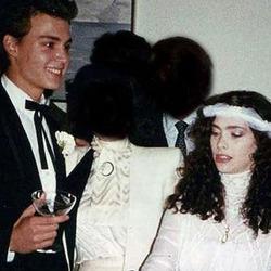 Первая жена вступилась за Джонни Деппа