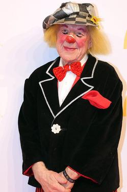 Умер великий клоун Олег Попов