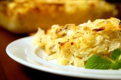 Картофельная запеканка с яйцом и луком