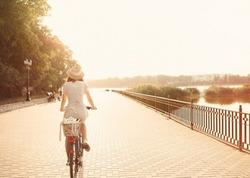 Городской велосипед: выбираем в Интернете