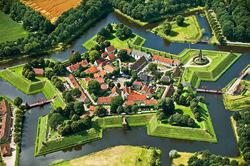 Звездная крепость Буртанж в Нидерландах