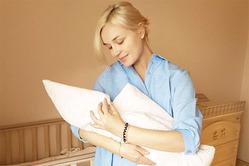 Полина Гагарина опубликовала фото с новорожденной дочкой