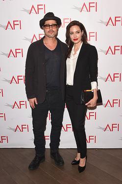Инсайдеры сообщили, почему Джоли и Питт до сих пор не развелись