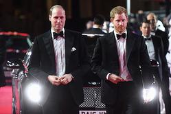 Принцы Уильям и Гарри на премьере «Звездных войн»
