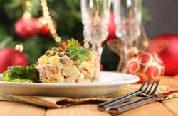 Чем заменить майонез в новогодних салатах?