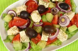 Какой салат поставить на новогодний стол, чтобы похудеть
