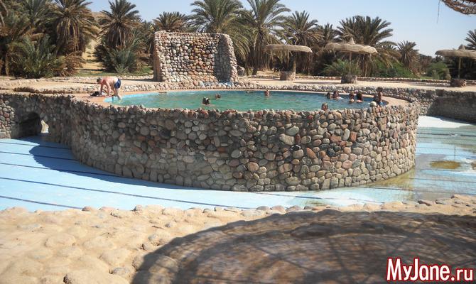 Ванны Моисея - живописный оазис среди песков и гор