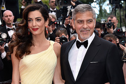 Амаль и Джорджа Клуни впервые увидели с детьми