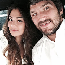 Александр Овечкин и Анастасия Шубская станут родителями