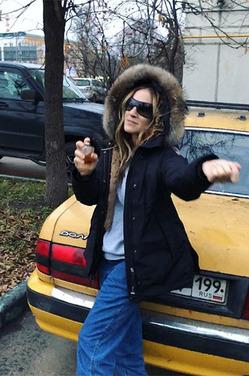 """Сара Джессика Паркер в Москве: фото на фоне авто """"Волга"""""""