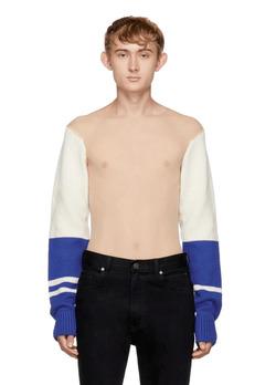 Calvin Klein начудил с новым свитером