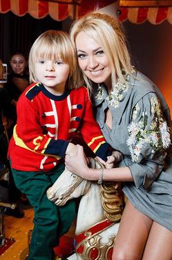 Рудковская не постеснялась подтвердить, что бьет сына ремнем