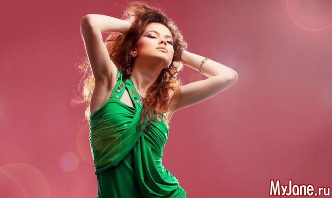 Модный тренд: одежда и аксессуары зеленого цвета