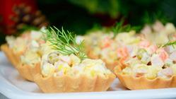 Салат Оливье с «Добавочкой» + Варианты сервировки и нюансы приготовления
