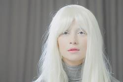 Равшана Куркова стала блондинкой