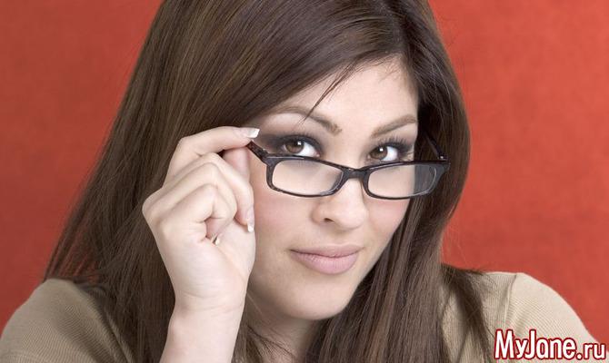 В четыре глаза: особенности макияжа при плохом зрении
