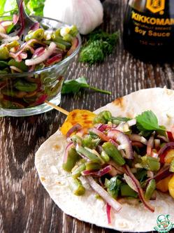 Салат со стручковой фасолью и луком