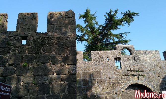 Древняя крепость Гонио в Аджарии (Грузия)