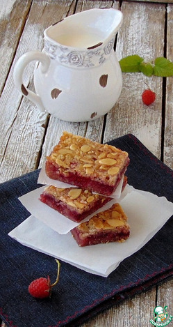 Овсяное печенье с малиной и миндалем