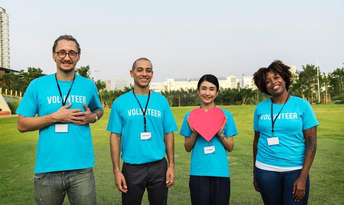 Помощь другим людям: кому подходит занятие волонтерством