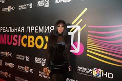 Аника Керимова представит новую коллекцию одежды
