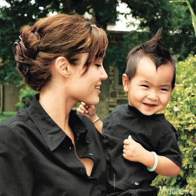 Сын Анджелины Джоли интересуется наукой