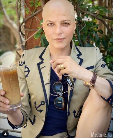 Неунывающая Сэльма Блэр поделилась снимками после химиотерапии